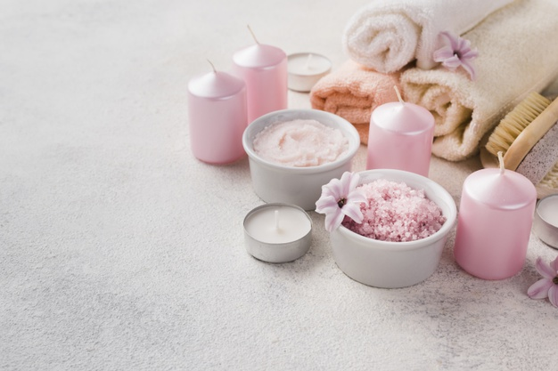 Bougies, sucre gourmand pour gommage corps - spa - soins beauté